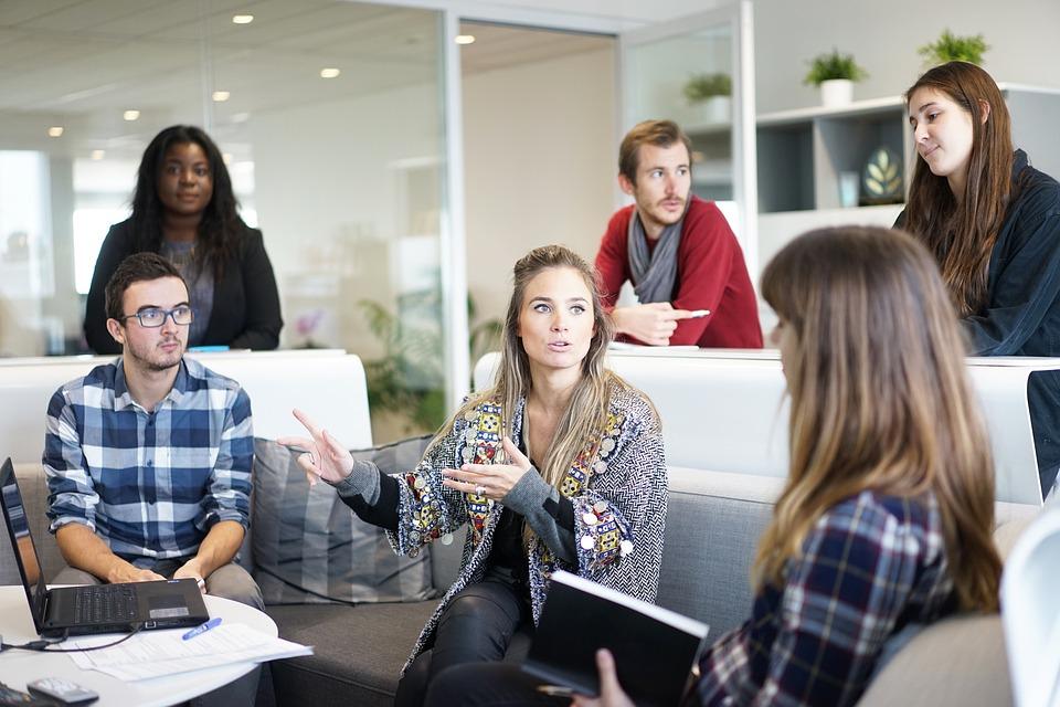 7 façons éprouvées d'améliorer l'environnement physique du bureau dans votre lieu de travail
